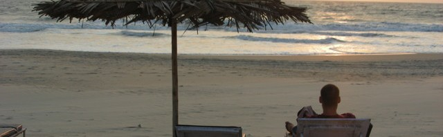 Benaulim Beach bei Sonnenuntergang