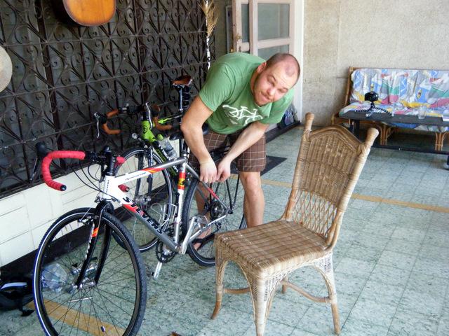 Fahrräder zusammenbauen