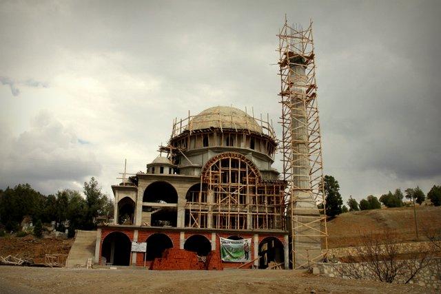 Als gäbe es noch nicht genug Moscheen, die einem ab morgens um vier Uhr den Schlaf rauben!