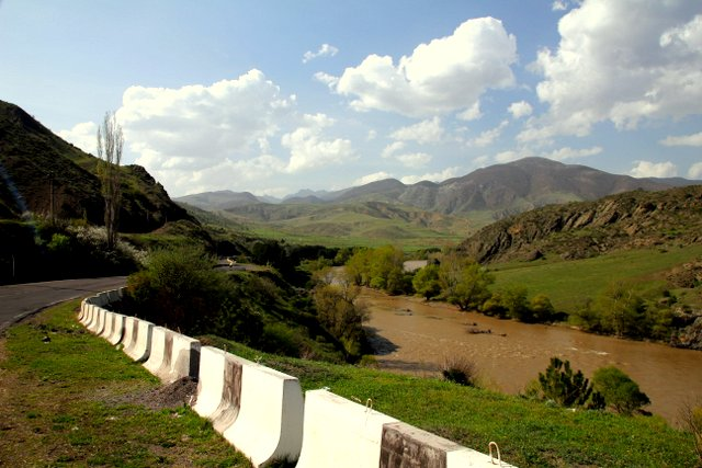 Der Fluss Mtkvari.