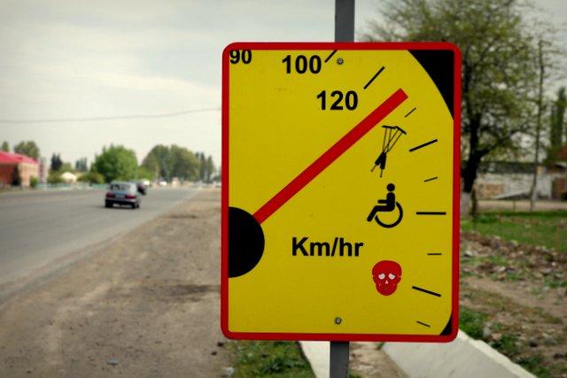 140 km/h = Krücken, 160 km/h = Rollstuhl, 180 km/h = tot.