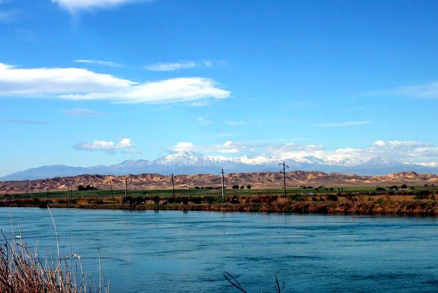 Ein schöner Morgen mit Blick auf den kleinen Kaukasus.