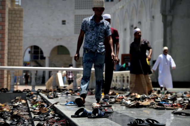 Zur Gebetsstunde am Wochenende platzen die Moscheen aus allen Nähten.