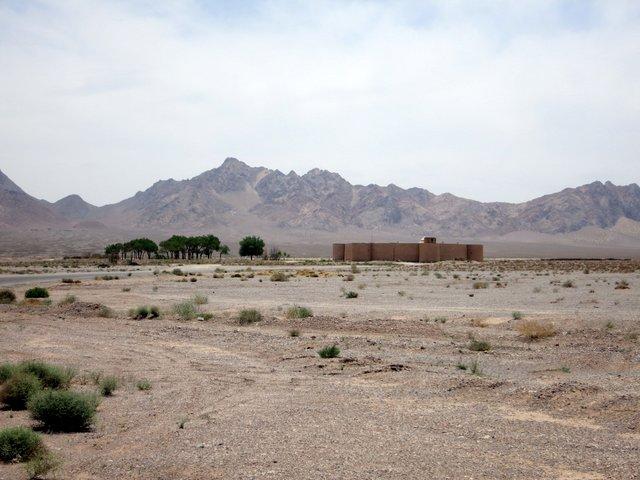 Diese Befestigungsanlage stellt laut Landkarte eine eigenständige Ortschaft dar. Wasserkauf? Fehlanzeige!
