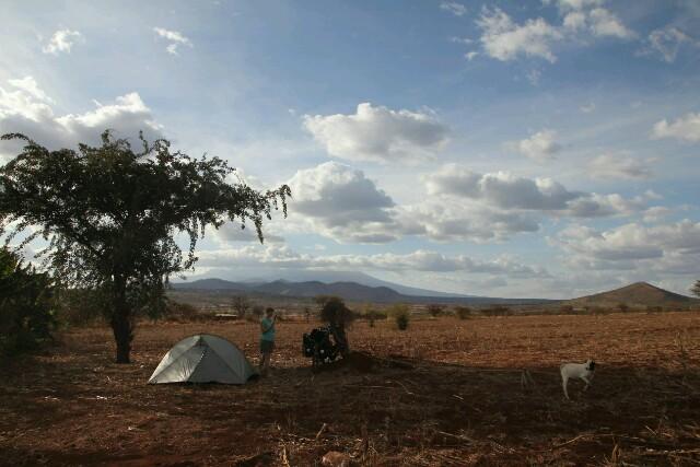 Wildzelten mit Kilimanjaro-Blick