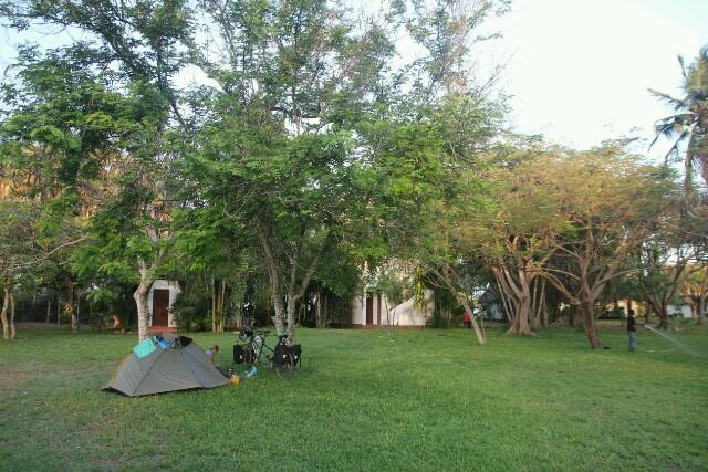 Schöner Zeltplatz in der Travellers Lodge in Bagamoyo